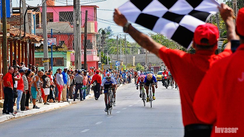Llega caravana de ciclismo a Santa Clara