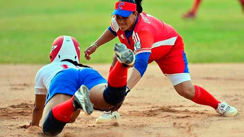 Se preparan camagüeyanas para el Campeonato Nacional de Béisbol femenino
