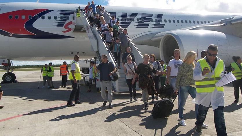 Preparan temporada turística en aeropuerto cubano de Cayo Coco
