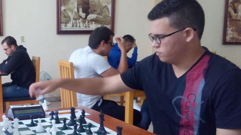 Quesada manda en semifinal cubana de ajedrez
