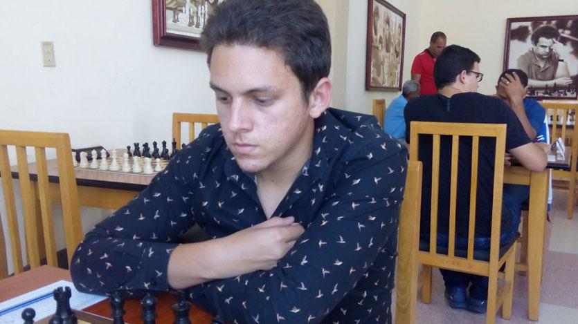 Ajedrecista camagüeyano Albornoz consigue segunda victoria en torneo Young Masters