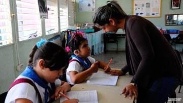Maestra y sus alumnas